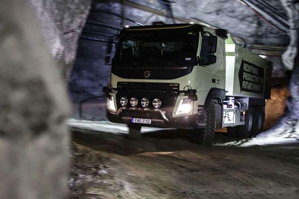 沃尔沃已经开始在矿山行业内尝试使用无人驾驶卡车
