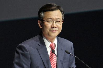 """安铁成正式就任董事长,强调让神龙""""重回赛道"""""""