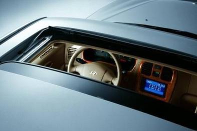 现代因天窗故障将召回美国市场6.3万辆中型车