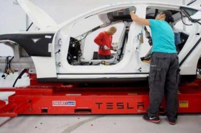 Model 3产能受限事出有因,部分车体需要手工拼装