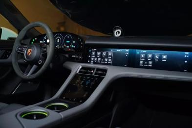 Taycan 车机评测:保时捷如何定义科技豪华?