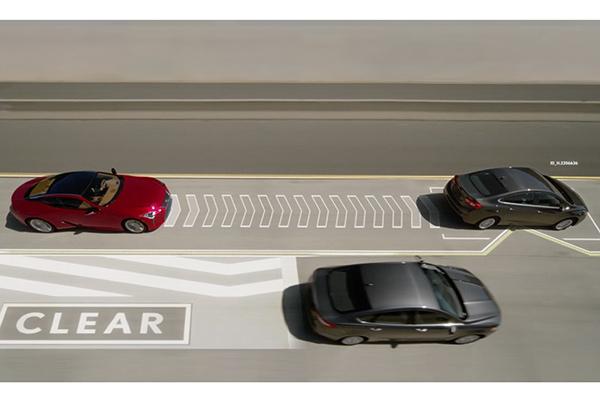 雷克萨斯发布Lane Valet变道辅助系统