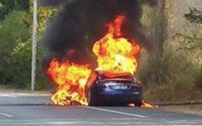 特斯拉再出事故,Model S法国试驾起火