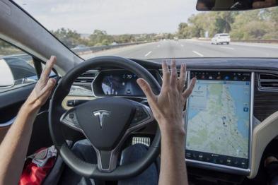 馬斯克:到年底特斯拉將擁有全部無人駕駛汽車功能
