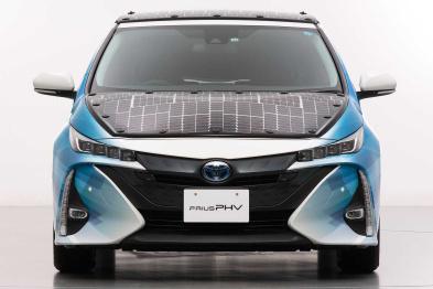 扳回一城!丰田太阳能电池测试车可增加56公里续航