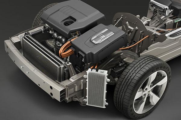 VOLTEC混合动力系统由双电机、一个行星齿轮组和动力分配模块组成