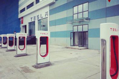 特斯拉发布新充电适配器,可在国标设备上充电