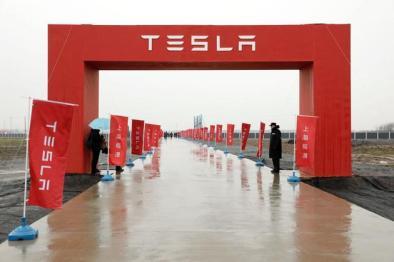 特斯拉上海工厂预计今年年底正式投产