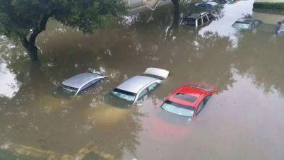 郑州暴雨后续:简明扼要告诉你,车被水淹保险怎么赔?