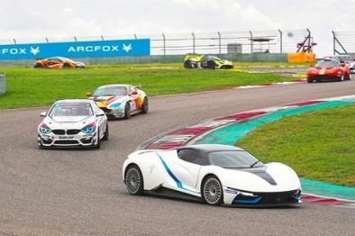 ARCFOX-7电动超跑F1赛道首秀