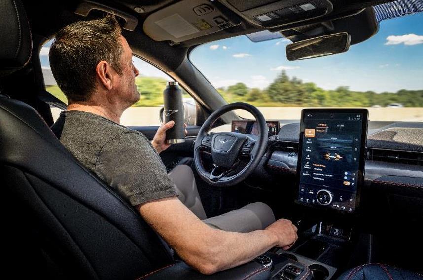 """福特汽车在北美推出""""解放双手""""智能驾驶辅助功能"""