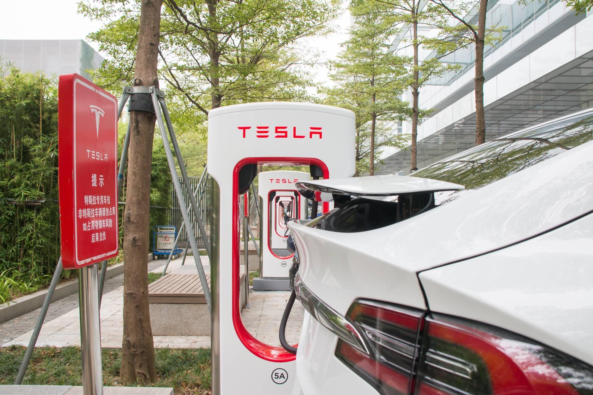 马斯克:特斯拉将向其他电动汽车开放充电网络