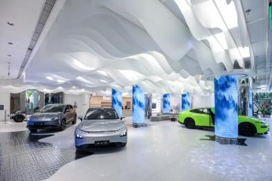 中国首个品牌旗舰体验店开业:小鹏也要和用户交朋友