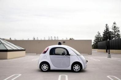 谷歌无人驾驶汽车撞上公交车:或首次担责