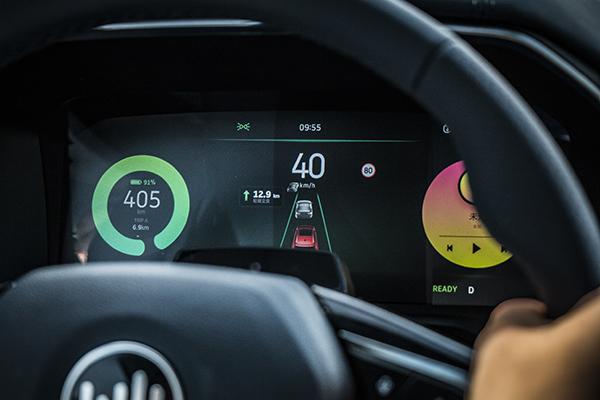 """科技测丨威马 Living Pilot:重新思考""""辅助驾驶""""的出发点"""