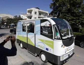 希腊无人驾驶巴士正式上路了,但是还不能躲避障碍物