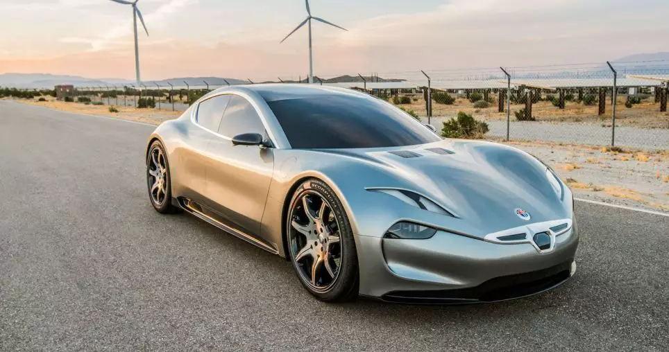 Fisker EMotion采用石墨烯电池材料,充电九分钟就可以行驶208公里,最大续航里程达到644公里,最高时速为259公里/小时。该车预计在2020年,率先在英国出售。
