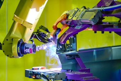 通用武汉工厂探访:满眼机器人,自动化率97%的工厂长什么样?