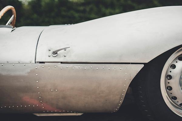 """捷豹如何让一辆1957年的传奇性超跑车""""重生""""的?"""
