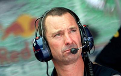 特斯拉挖来F1首席机械师,不玩赛车