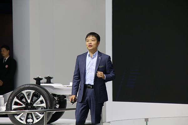小鹏:轿车P7剑指蔚来丨上海车展