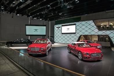 宾利汽车亮相上海车展:致敬非凡百年,展望超豪华出行未来