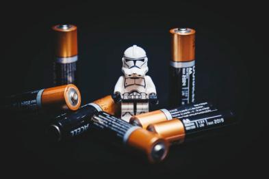 动力电池新规抛弃三星、LG后,国内厂家解锁电池迷局的时机到了? | 夏珩专栏