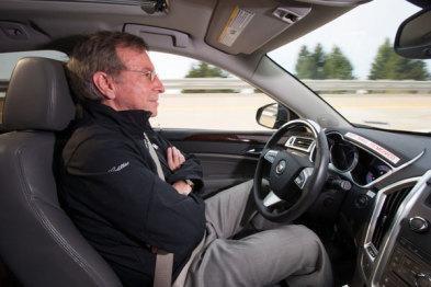 """虽然没谷歌那么炫,通用和福特的""""半自动驾驶""""技术也能让你省省心"""