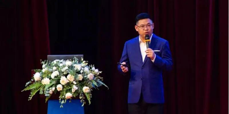 蜂巢能源总裁杨红新