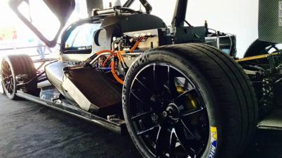 Roborace无人驾驶概念车DevBot首秀折戟