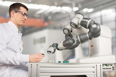 福特采用工业4.0自动化技术,人机协作提产能