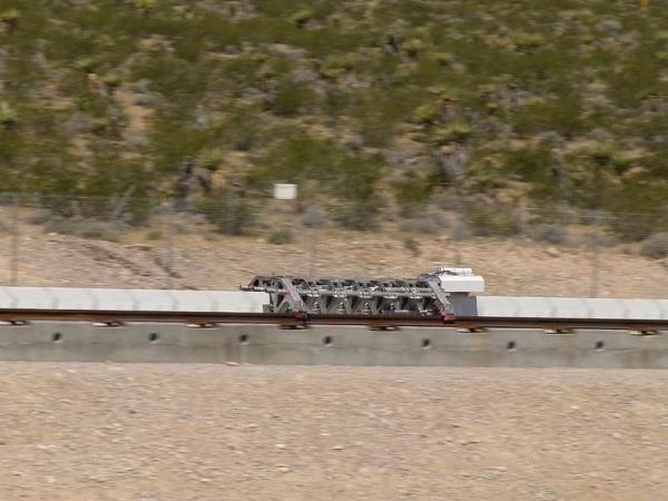Hyperloop于今年五月演示的电磁推进系统