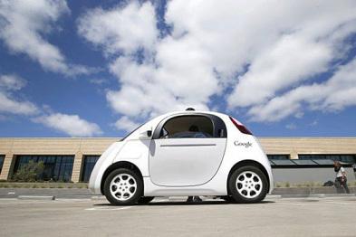 在默默生产几百辆「豆荚车」之后,谷歌决定独立造车了