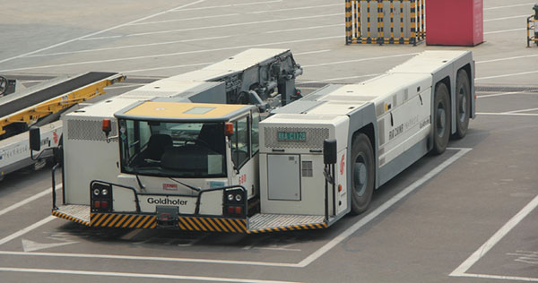 国航在T3购置的AST-1X牵引车,国内旅客可以关注C08登机口附件是不是会有它的身影(照片来自于网络)