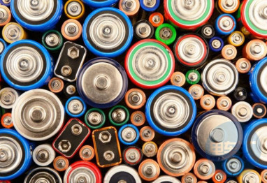 吉利御用动力电池商洪桥集团 拟投资6000万成立共享电池营运公司