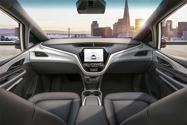 通用第四代自动驾驶汽车内部