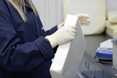 福特回收二氧化碳废气开发汽车新材料