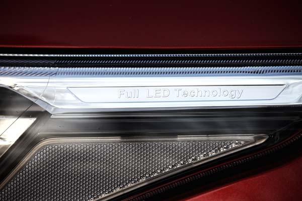 智能随动的全LED头灯