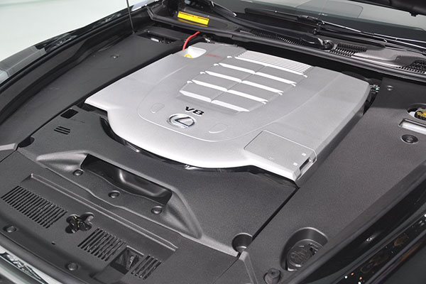 第四代雷克萨斯LS采用的4.6升V8发动机