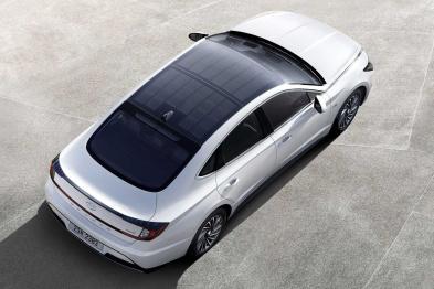 2020款索纳塔首次亮相,搭载太阳能充电系统