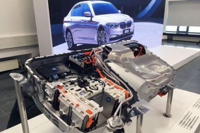 华晨宝马动力电池中心揭幕,将惠及新5系和国产X3车型