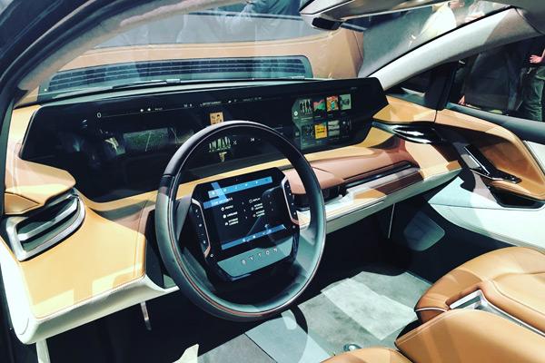 BYTON Concept车内搭载多块液晶屏