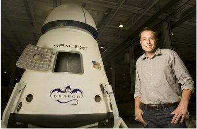 马斯克吐槽贝索斯:SpaceX早已推重复运载火箭