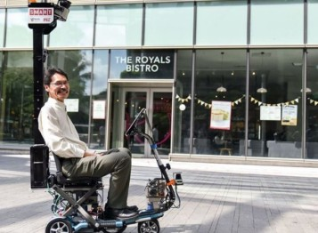 """不只是无人Taxi,新加坡街头出现了为""""三不""""人群设计的自动驾驶迷你车"""