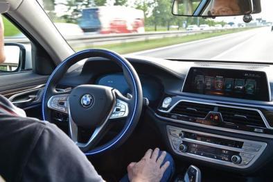 宝马集团合作KPIT和TTTech,助力实现4/5级自动驾驶