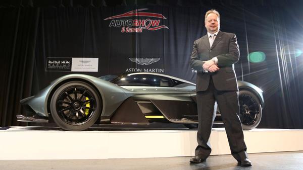 阿斯顿·马丁CEO安迪·帕尔默和AM-RB 001全新超跑概念车
